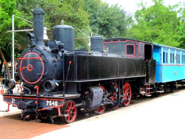 Kalamata, treno